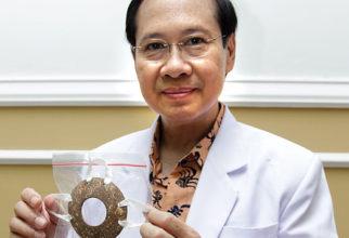 Batok Kelapa Memiliki Manfaat Medik, Penemuan Dr. Vicky S Budipramana,SpBKBD